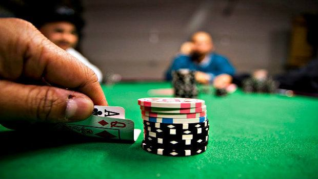 5 Fundamental Live Poker Tournament Tips