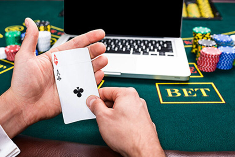 Internet Poker Distractions And Aides