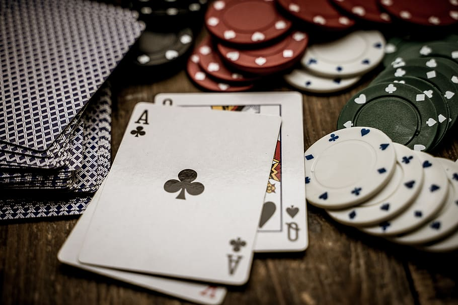 Top 5 Benefits of Playing Casino Games
